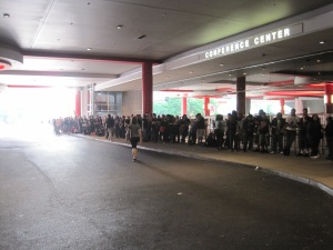A long line of people waiting to register for ACEN 2011.